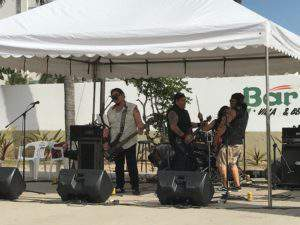Live music at the beach